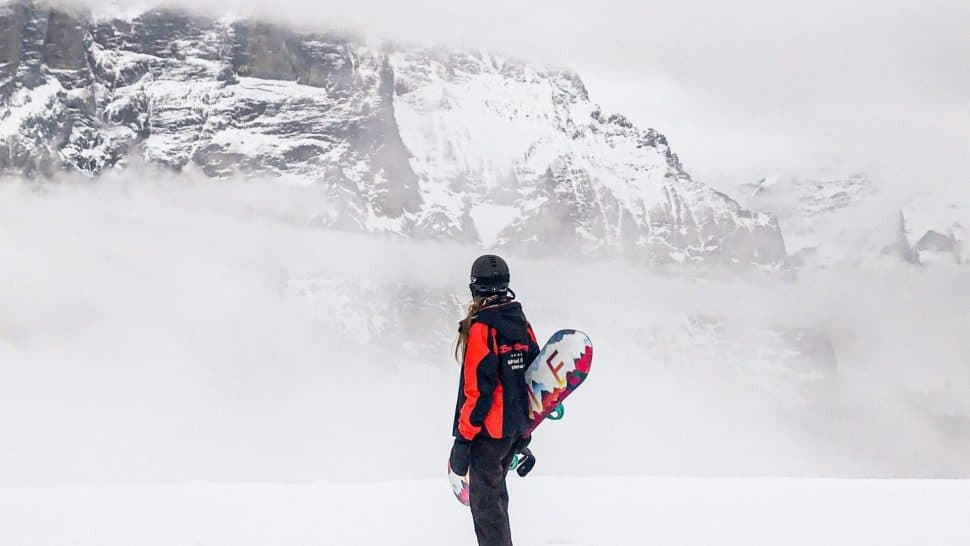 snowboard in den alpen scaled e1600084015743
